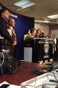 Mayor Jean Quan (center) speaks at a press conference on the Oakland shooting. (Rachel Dornhelm/KQED)