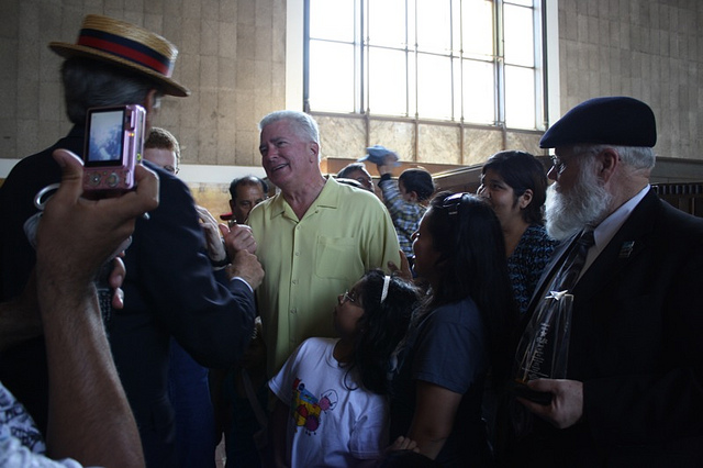 Huell Howser meets fans in Los Angeles in 2010. Photo by Hane C. Lee/Flickr.