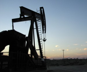 An oil rig in Kern County, California where most fracking has historically taken place. (Photo: Craig Miller/KQED)