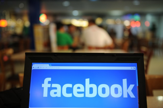 Facebook Buys Israeli Startup in Play for Mobile Space