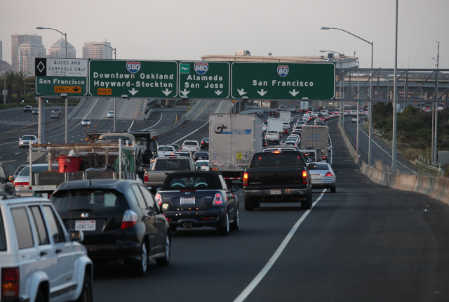 Traffic to the Bay Bridge began backing up around 6:30 a.m. Monday. (Deborah Svoboda/KQED)