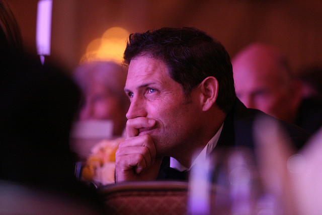 Steve Young at a 2006 Operation Kids Gala (OperationKids/Flickr)