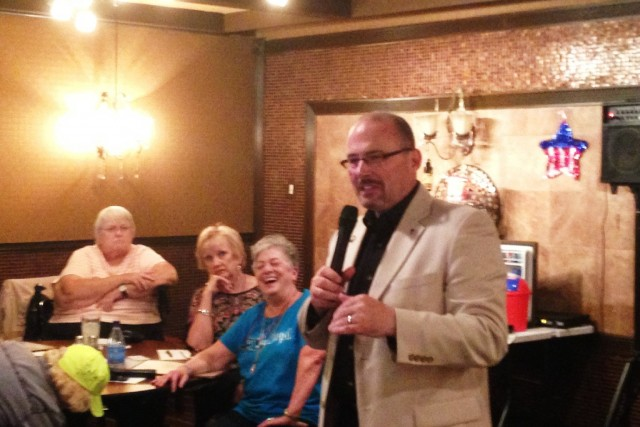 Assemblyman Tim Donnelly addresses a tea party group in Solano County (Scott Detrow / KQED)