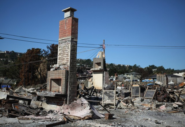 The explosion of a gas pipeline on Sept. 9, 2010, sparked a fire in San Bruno that destroyed 38 homes. (Justin Sullivan / Getty Images)