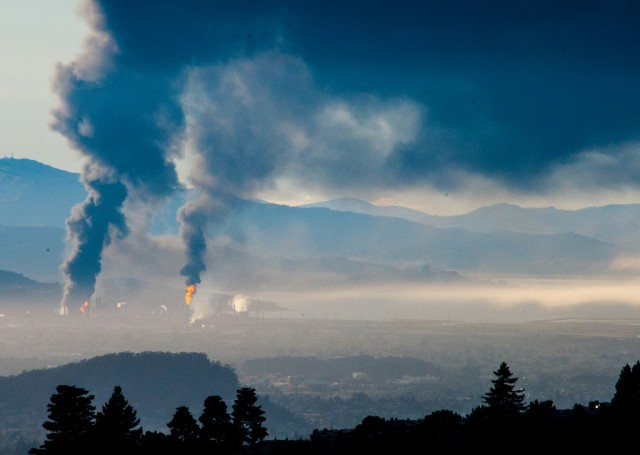The Chevron refinery fire in Richmond in August 2012 sent smoke across much of the East Bay. (Stephen Schiller/Flickr)