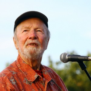 Pete Seeger at a 2009 performance in New York City. (Astrid Stawiarz/Getty Images)