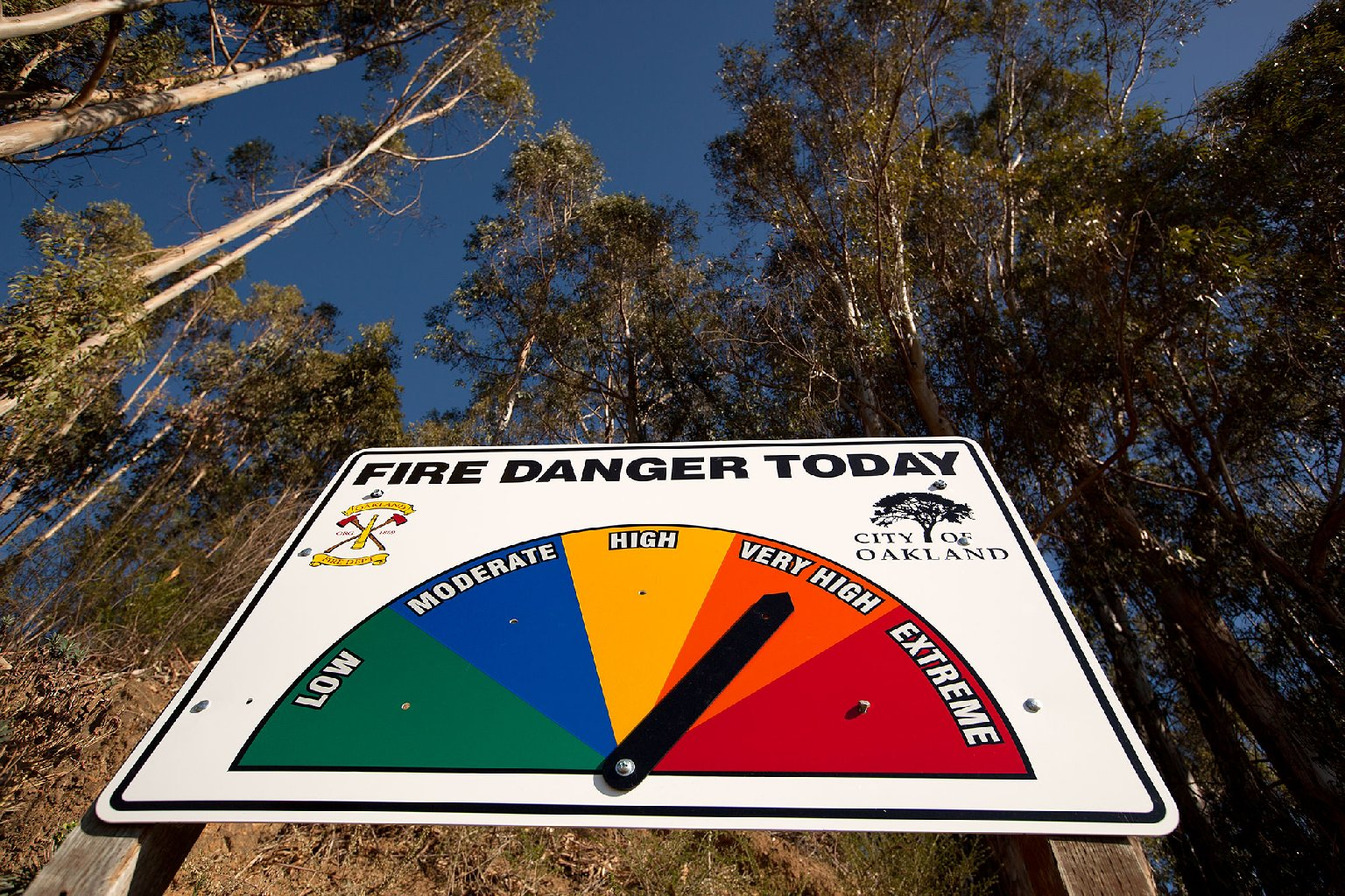 Unseasonal heat has prompted a fire warning sign in the Oakland hills. (Mark Andrew Boyer/KQED)