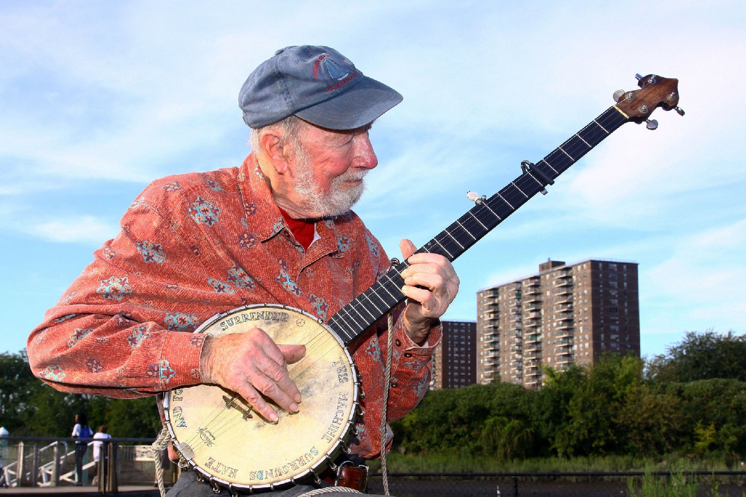 Pete Seeger performed in 2009 at the Dorothy and Lillian Gish Prize. (Astrid Stawiarz/Getty Images)