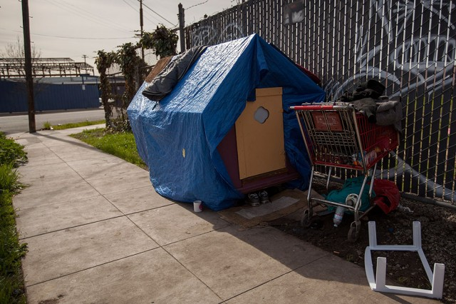 A pair of tiny houses are currently occupied down the street from Kloehn's West Oakland studio. (Mark Andrew Boyer/KQED)