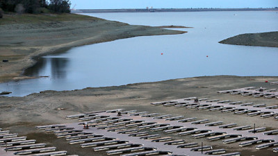 Empty boat docks at the Folsom Lake Marina sit on the dry lakebed of Folsom Lake on March 20, 2014. (Justin Sullivan/Getty Images)
