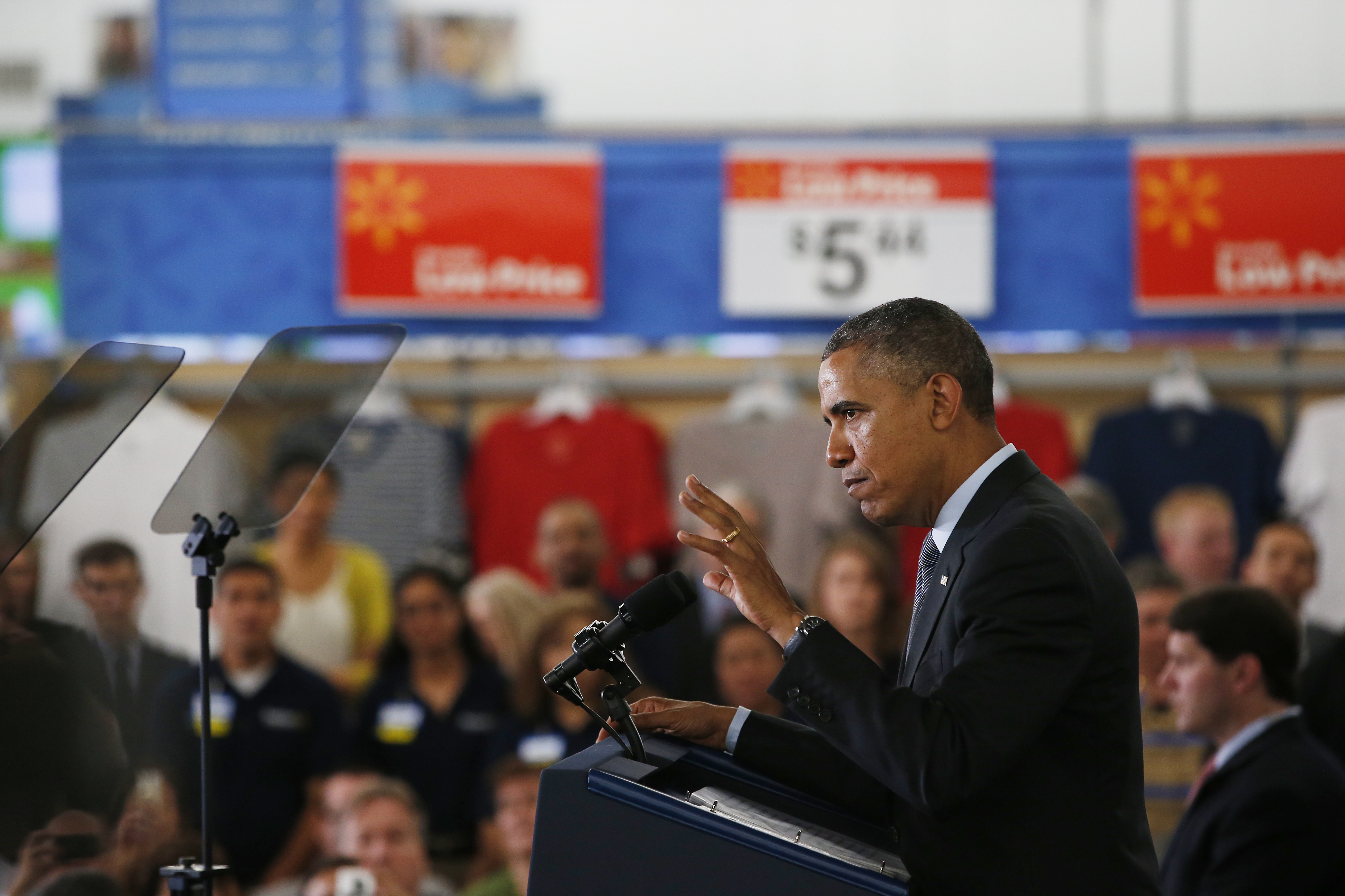 President Obama at Wal-Mart to Talk About Solar Power