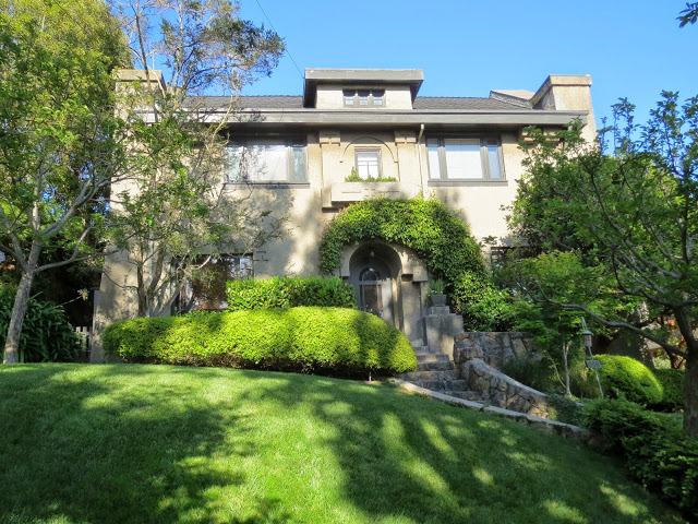 John Hudson Thomas built this house at 959 Indian Rock Ave. for his daughter. (Robert Kehlmann/Berkeleyside)