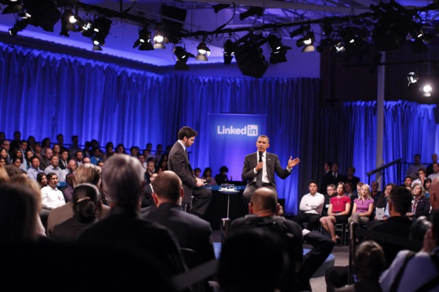 LinkedIn CEO Jeff Weiner and U.S. President Barack Obama, (R), field a question from the audience during town hall meeting hosted by LinkedIn last September. (Stephen Lam/Getty Images)
