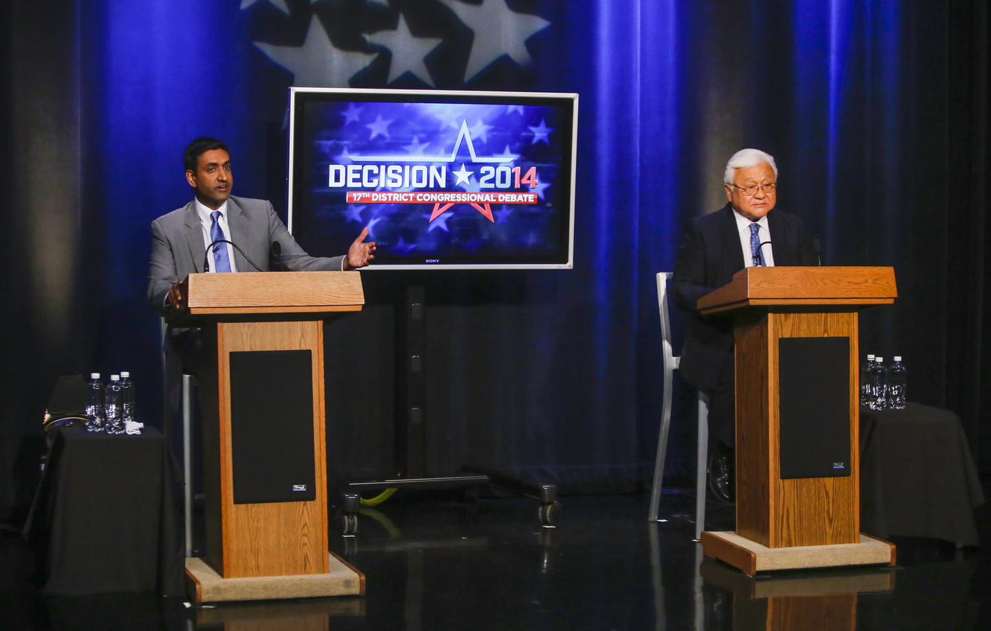 Democratic challenger Ro Khanna, left, makes a point during his general election debate with Rep. Mike Honda, D-San Jose. (John Green/Bay Area News Group)