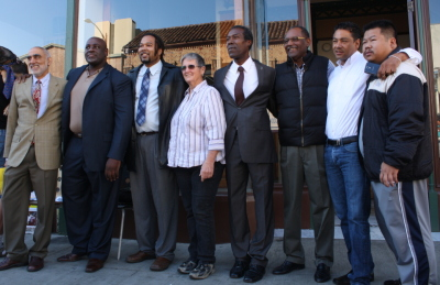 Eight lesser-known candidates for mayor of Oakland gather Oct. 28, 2014, to criticize being shut out of debates and ignored by news media. (Alex Emslie/KQED)