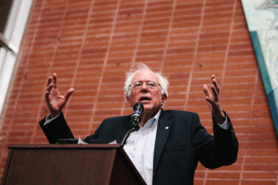Senator Bernie Sanders (VT-I) spoke to a crowd of 500 at the Richmond Memorial Auditorium on Thursday.  (Bonnie Chan/Richmond Confidential)