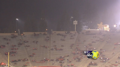 Smog lingers over Bulldog Stadium in Fresno on Saturday, Nov. 8, 2014. (Screen shot from ABC 30 TV)