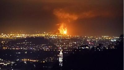 Thursday night's flaring operation from Chevron's Richmond refinery as seen from Berkeley Hills. (NBC Bay Area).