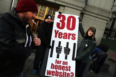Supporters of accused Silk Road operator Ross Ulbricht on Tuesday as his trial on drug trafficking started in Manhattan.