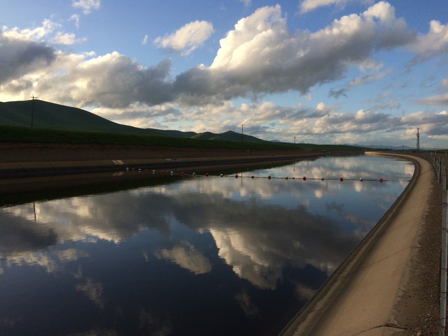 The California Aqueduct near the San Joaquin Valley of Gustine. Dan Brekke/KQED