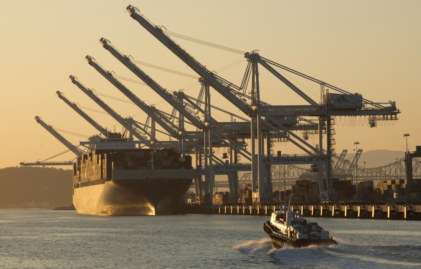 Update: Ports, Dockworkers Reach a Deal