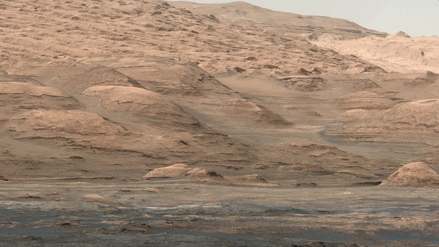 An image from NASA's Curiosity Mars rover shows dramatic buttes and layers on the lower flank of Mount Sharp on Mars. (NASA/JPL-Caltech/MSSS)