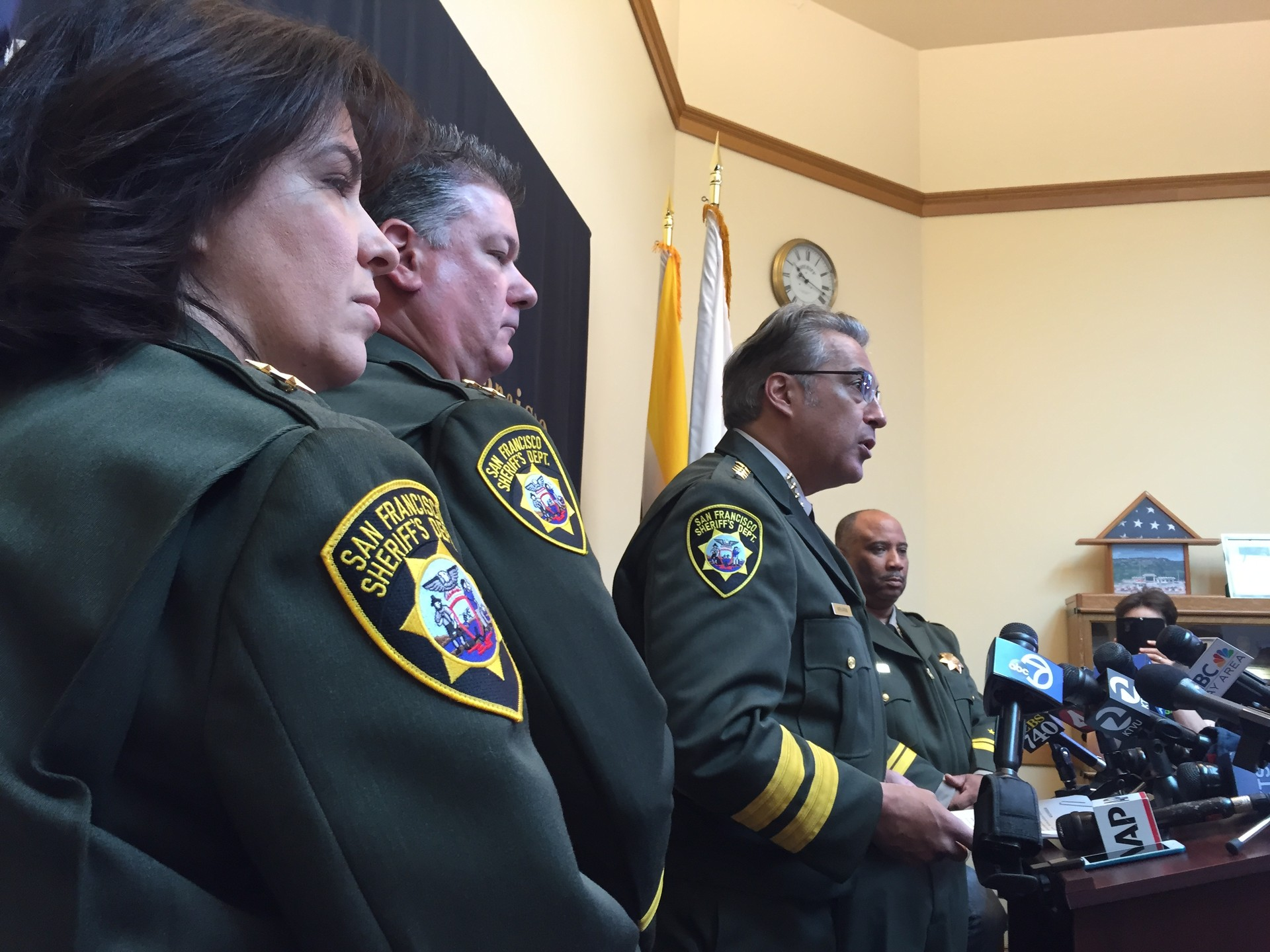 San Francisco Sheriff Ross Mirkarimi said on April 10 that the FBI is investigating allegations that deputies forced inmates to fight and bet on the outcomes.
