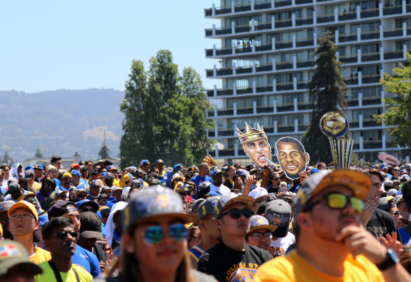 Fans packed the area surrounding the rally. (Adam Grossberg/KQED)