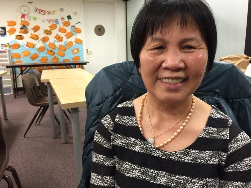 Li Xiu Zhen, cocinera de frituras en el Yank Sing, es una de los líderes organizadores de una campaña en defensa de los derechos laborales en el restaurante.