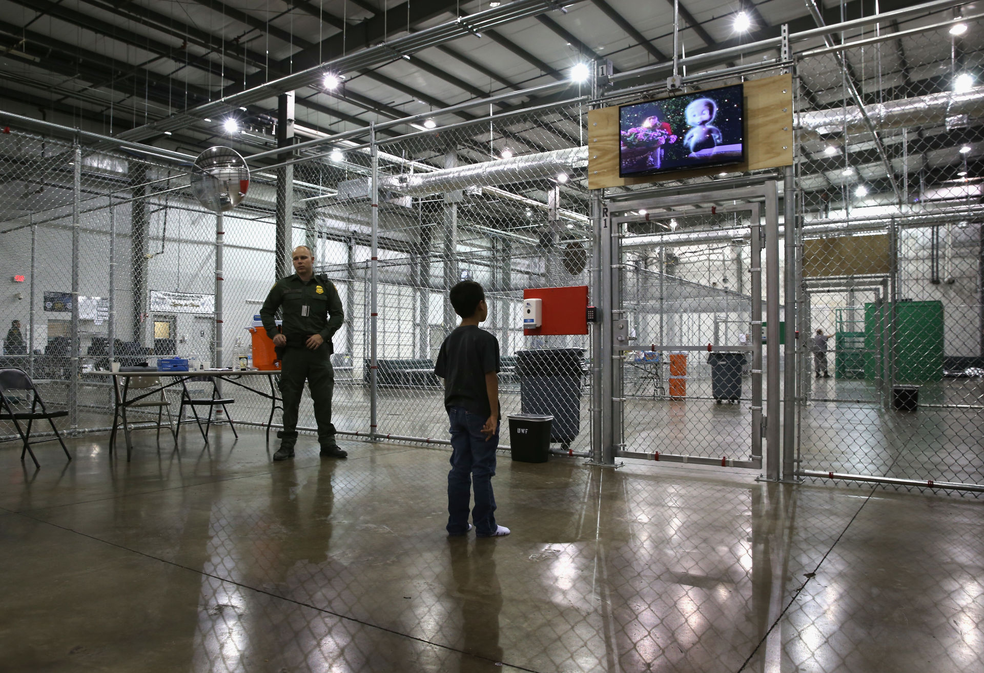 Judge rules U.S. government must swiftly release immigrant children in detention