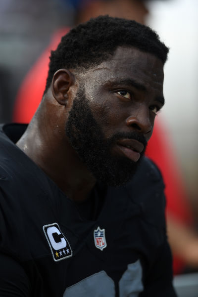 Justin Tuck #91 of the Oakland Raiders looks on during the second half of their NFL game against the Cincinnati Bengals September 13, 2015. (Thearon W. Henderson/Getty Images)