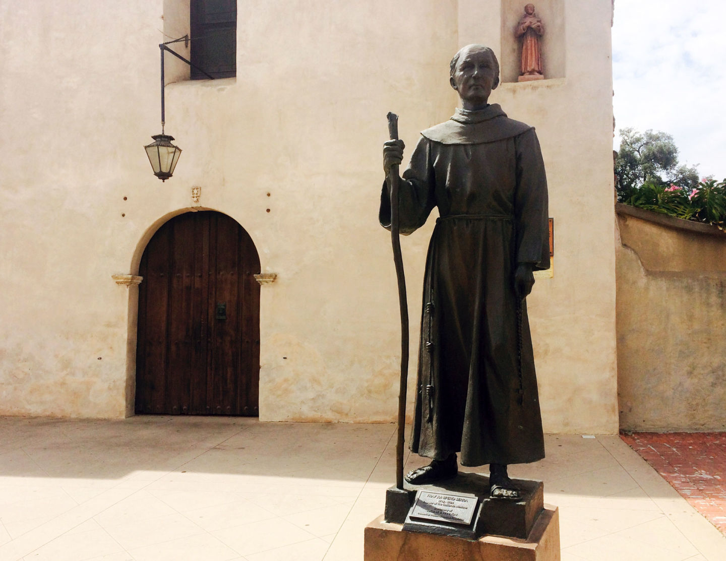 Pope Francis Courts Controversy Over Junipero Serra Sainthood