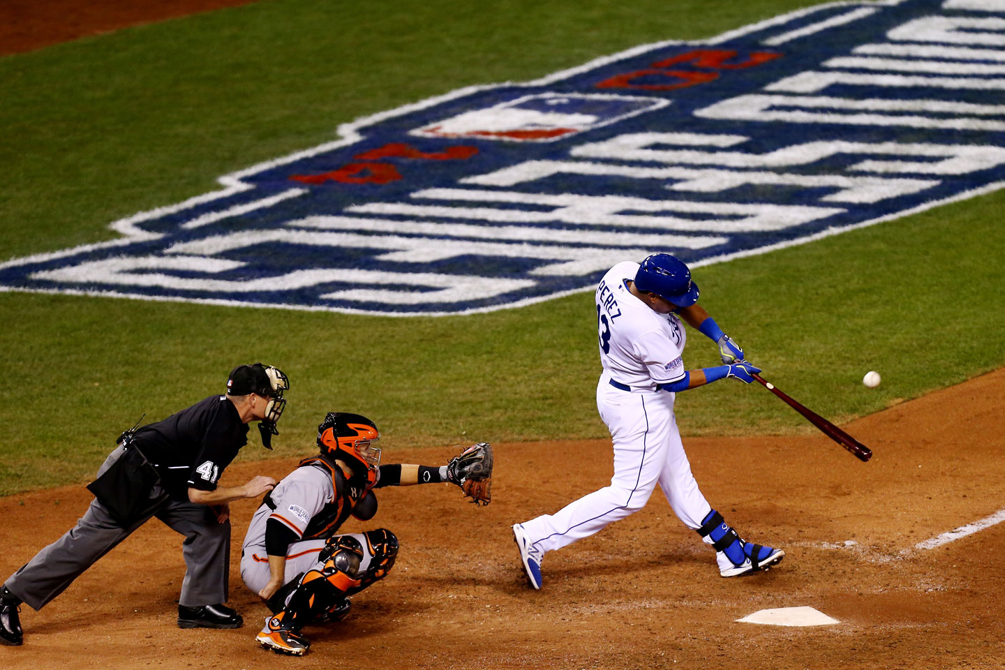 oyals catcher Salvador Perez hits a solo home run in the bottom of the seventh. The homer ends two impressive streaks for Madison Bumgarner: 21 scoreless innings in the World Series, and 32 2/3 scoreless innings in postseason play on the road -- that second streak being a major league record. Score now Giants 7, Royals 1. (Ed Zurga/Getty Images)