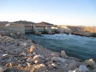The Palo Verde Irrigation District's diversion dam on the Colorado River. L.A.'s Metropolitan Water District recently bought 20 square miles of district land to secure new water rights.