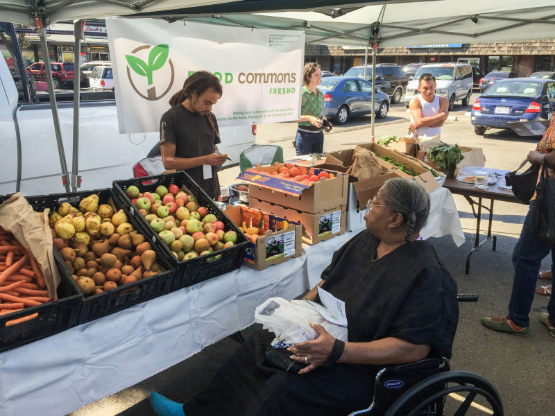 """West Fresno residents take home free veggies in exchange for taking a survey about how much they'd pay for a veggie box. """"We really have the opportunity to build something special with food commons, """"says Food Commons Fresno Manager Kiel Schmidt. """"It will be owned by the community, it will create wealth for the community, while it's also improving their health."""""""