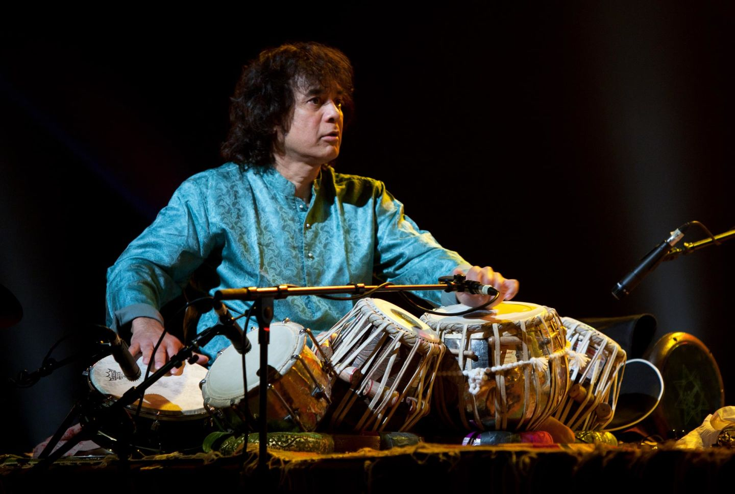 Zakir Hussain's 'Distant Kin' Brings Together Indian, Celtic Traditions