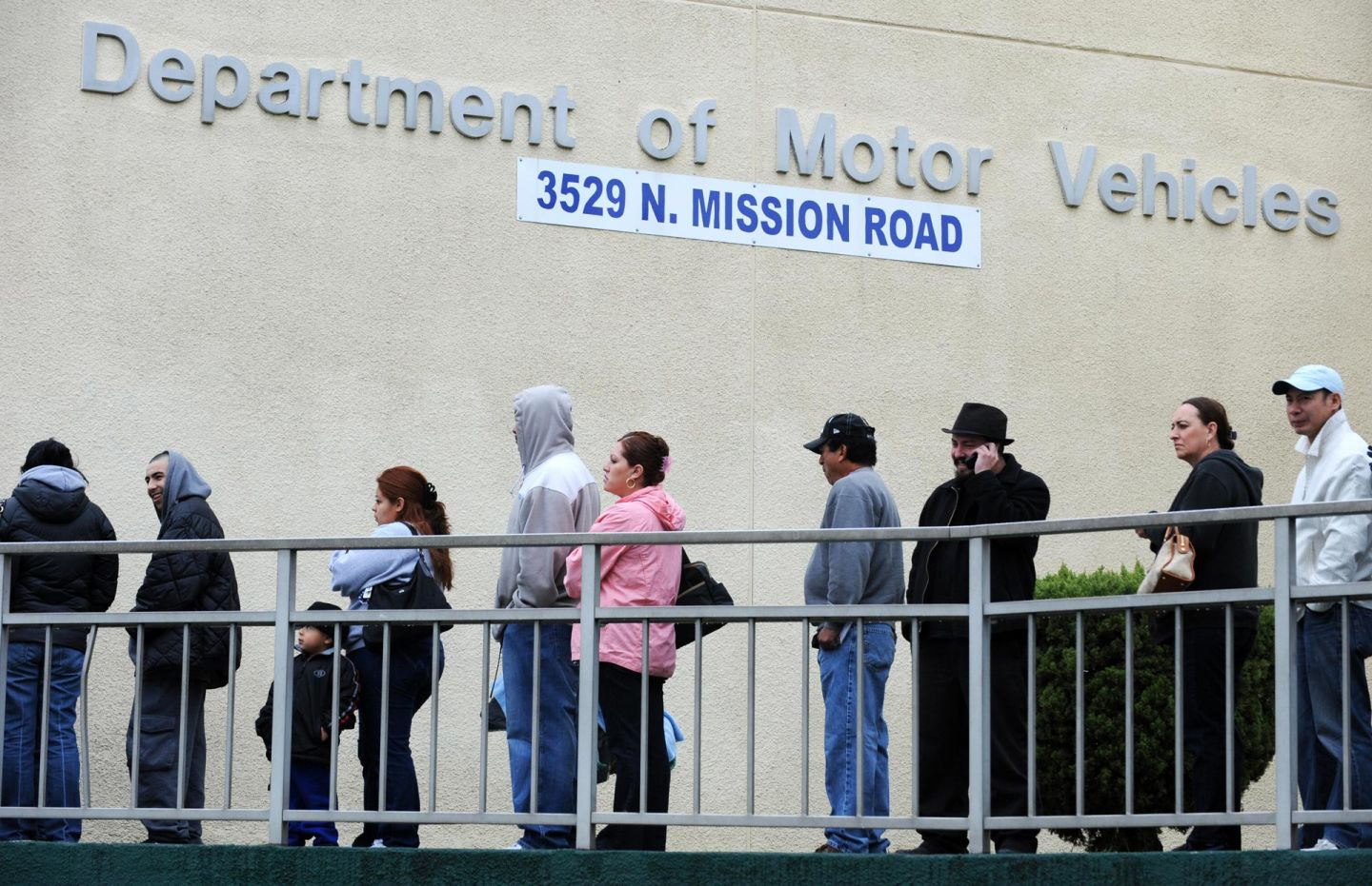 Bill would require state courts to decide traffic amnesty for Motor vehicle report california dmv