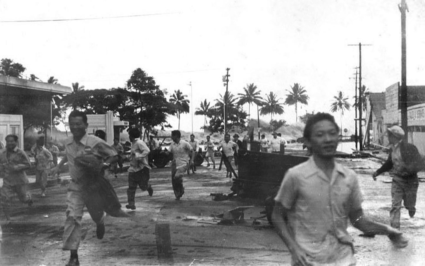 People run from an approaching tsunami in Hilo, Hawaii on April 1, 1946. The same tsunami hit Central California, and was generated by a fault rupture near the Aleutian Islands.