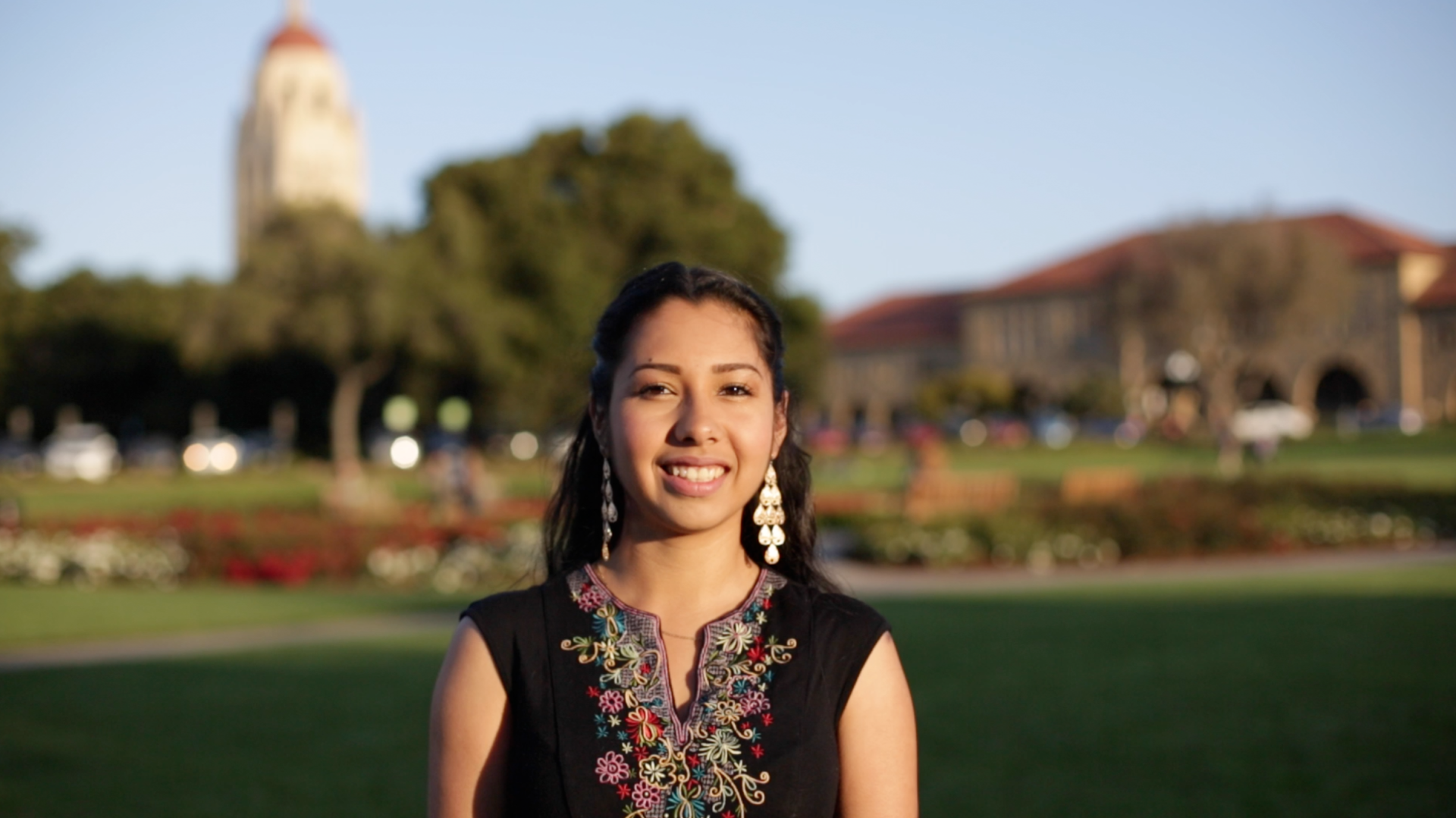 Sarahi Espinoza created a scholarship network in the form of an app to help undocumented students find college scholarships.