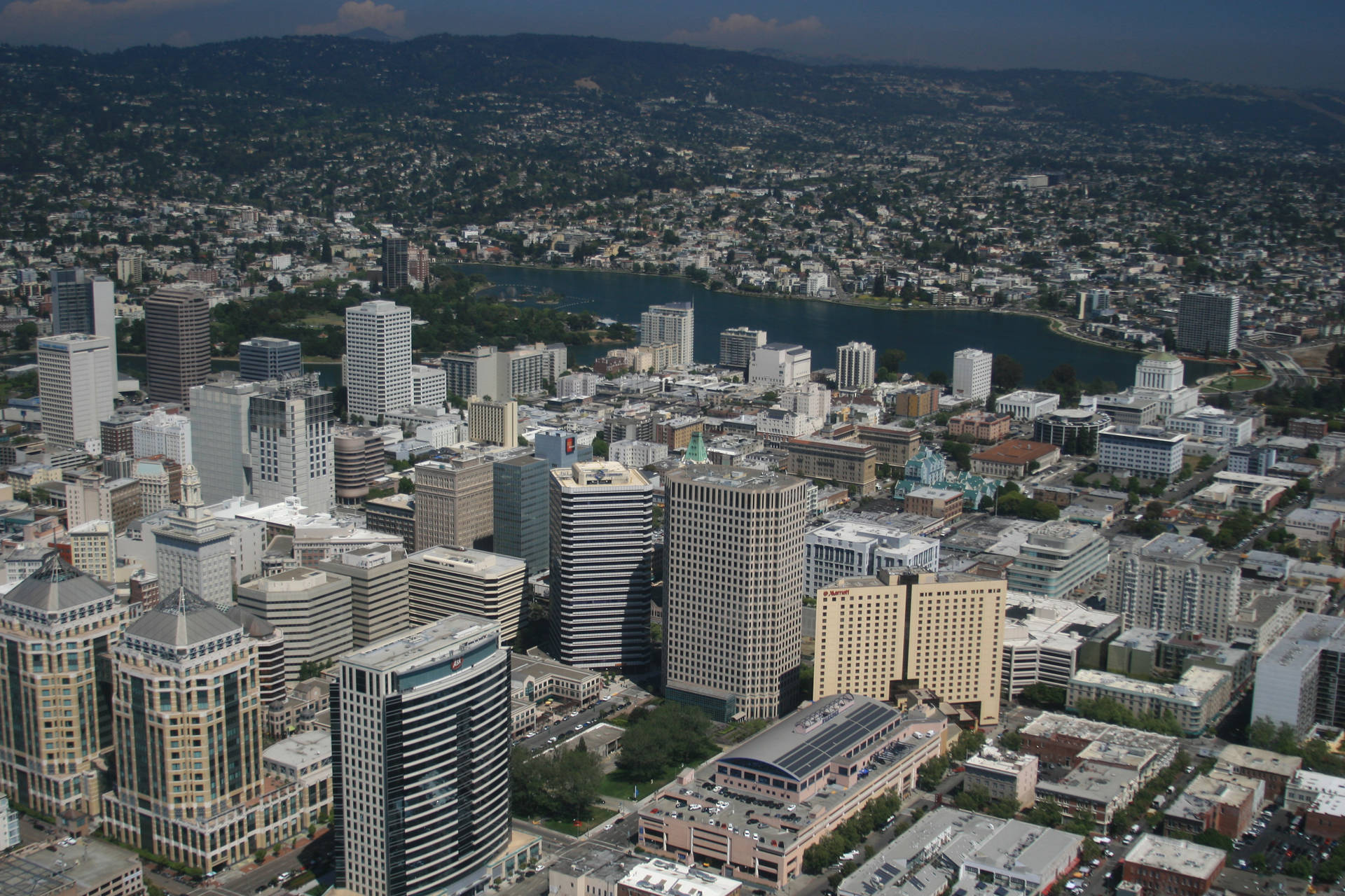 Oakland Considers Declaring Housing Emergency And Freeze