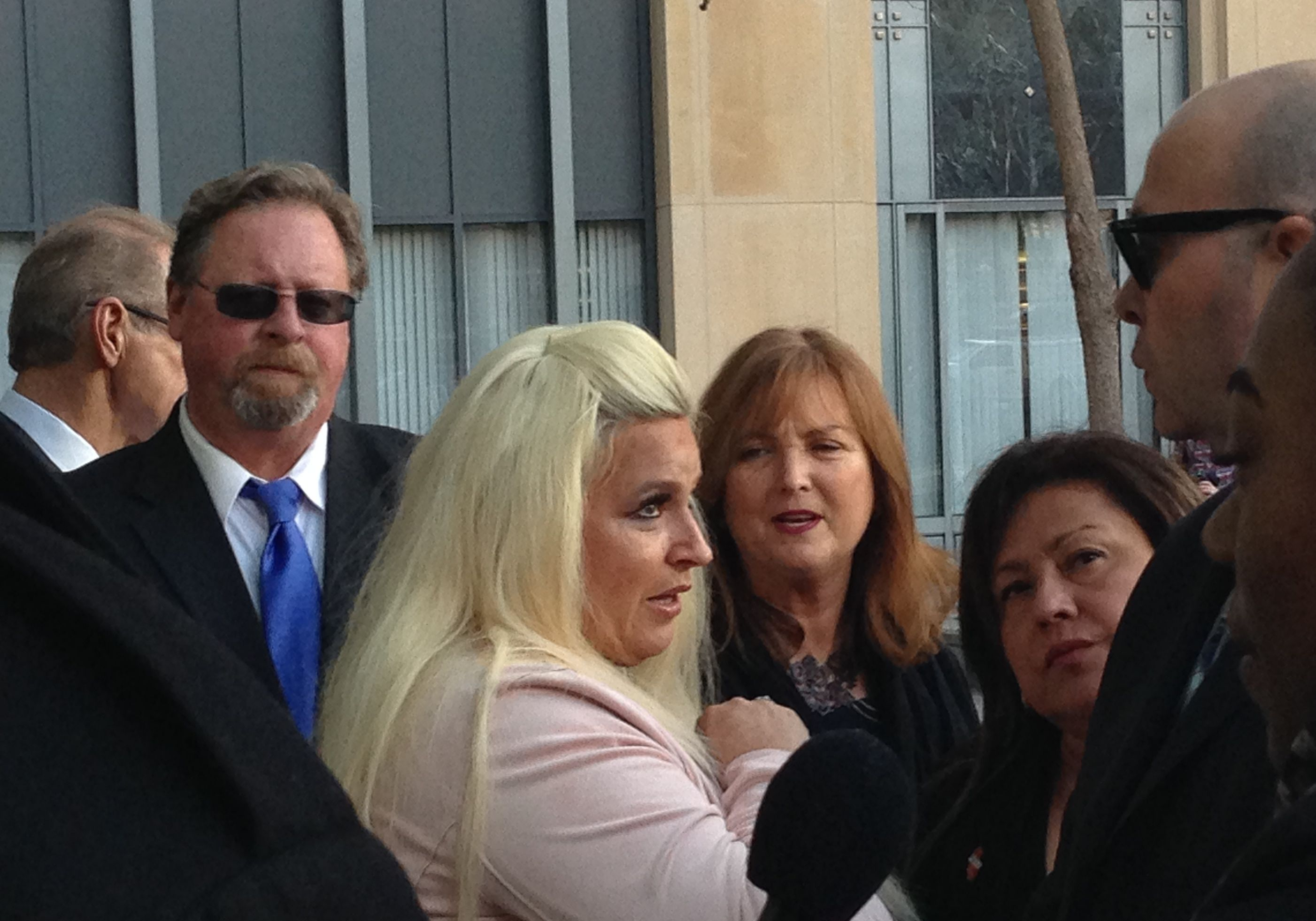 Beth Chapman and other bail agents showed up at Oakland's federal courthouse to defend their industry against a lawsuit challenging the constitutionality of money bail.
