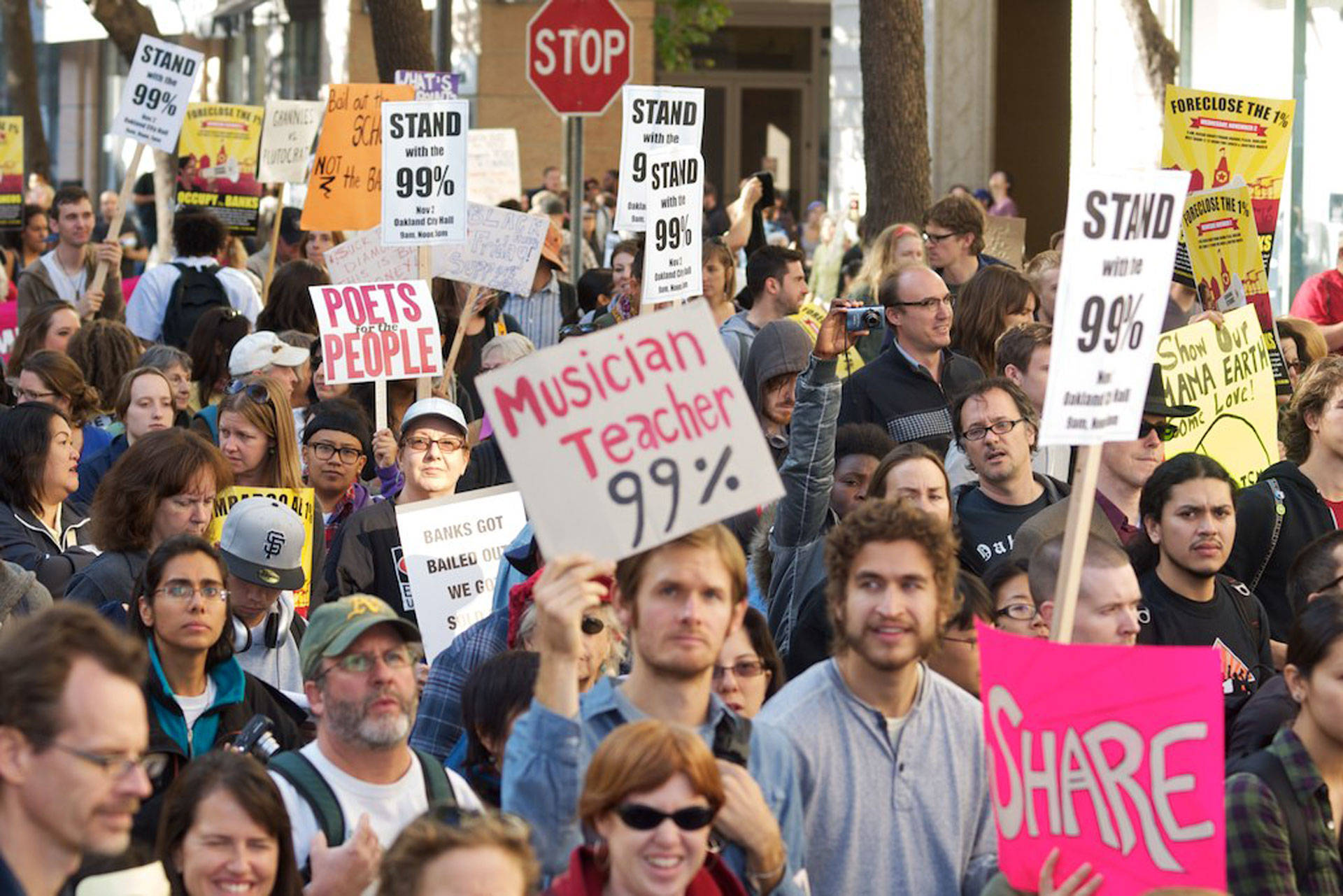Protesters in Oakland draw attention to issues of income inequality. Brian Sims/Wikimedia Commons