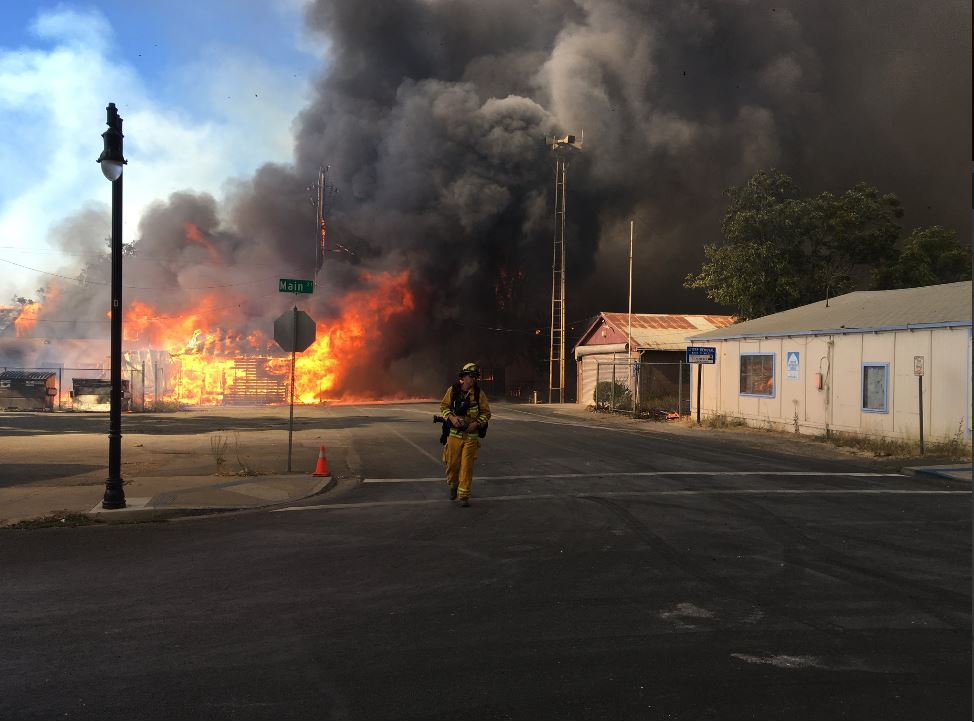 """The scene in the Lake County town of Lower Lake as the Clayton Fire devoured a residential area  and part of the business district. <a href=""""https://twitter.com/CBSSF/status/764985456622731265"""" target=""""_blank"""">KPIX/CBS5 via Twitter</a>"""