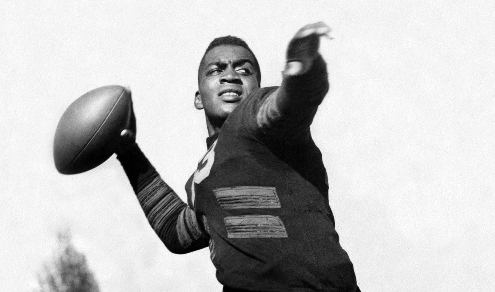 Kenny Washington was one of the first two African-American players to be signed on to the modern NFL.
