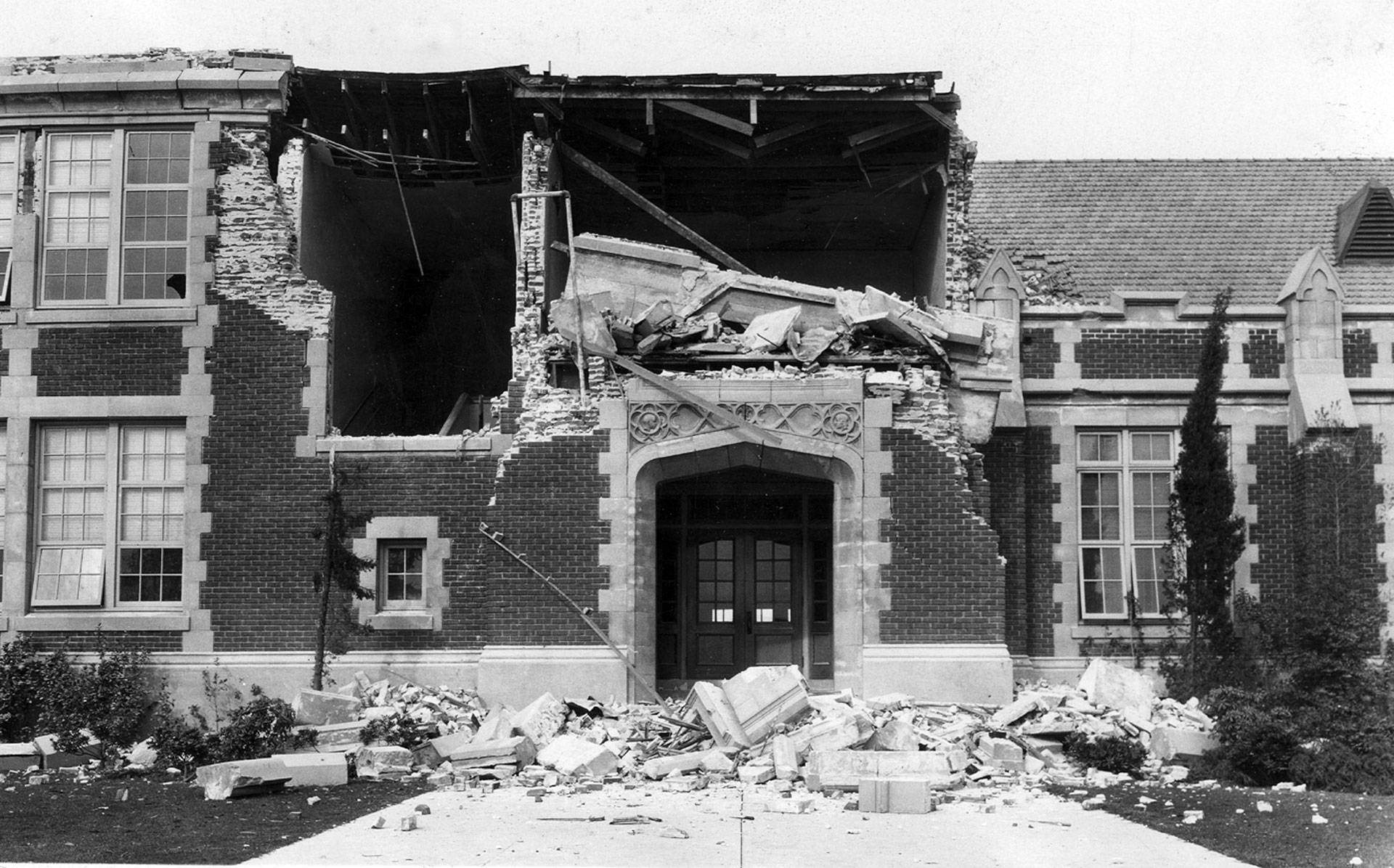 The ruins of John Muir School in Long Beach after an earthquake struck on March 10, 1933. Wikimedia Commons