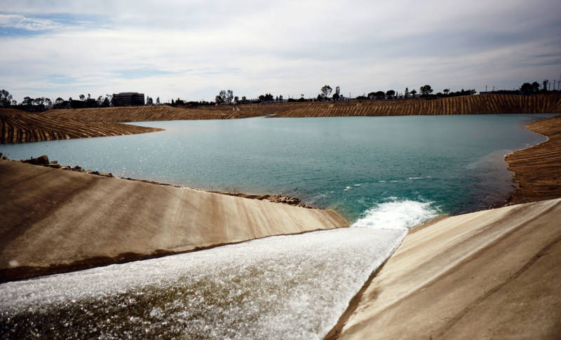 Water flows into Anaheim Lake, where it will be recharged into the Orange County Groundwater Basin.