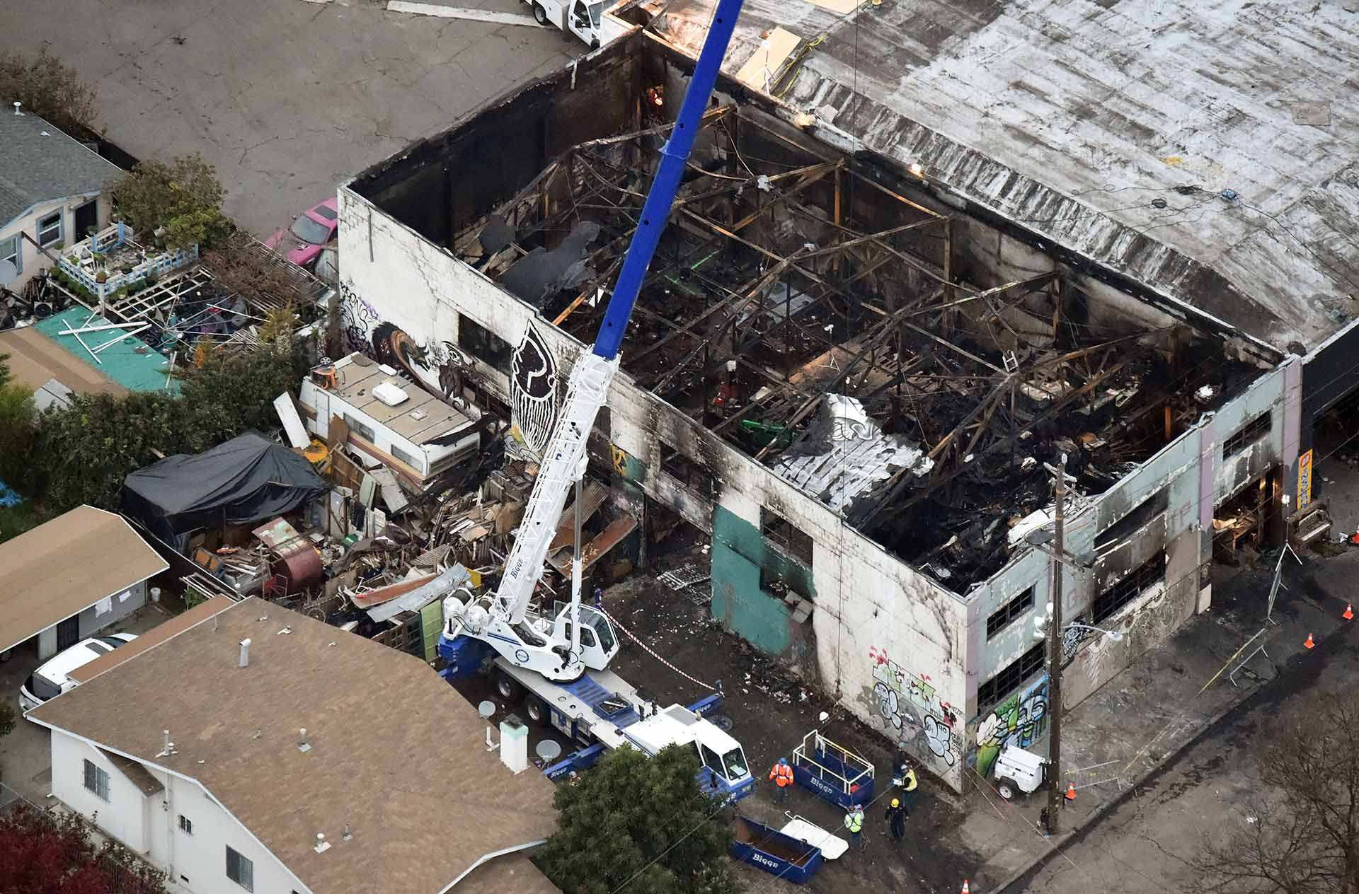 Two Charged With Manslaughter in Oakland's Ghost Ship Fire