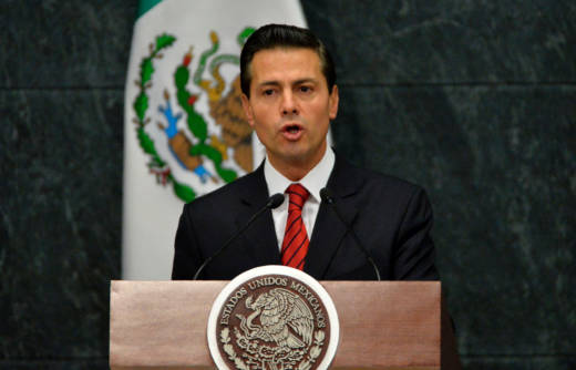 Mexico's President Enrique Peña Nieto gives a news conference on Nov. 9, 2016.
