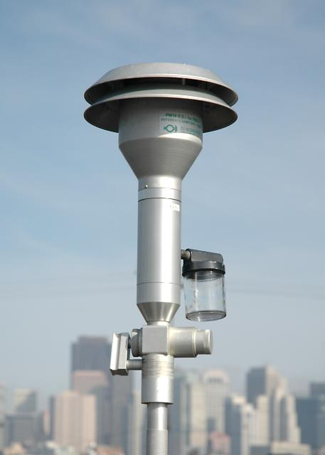 Example of an air monitoring station. The Air District runs a network of 35 stations throughout the Bay Area.
