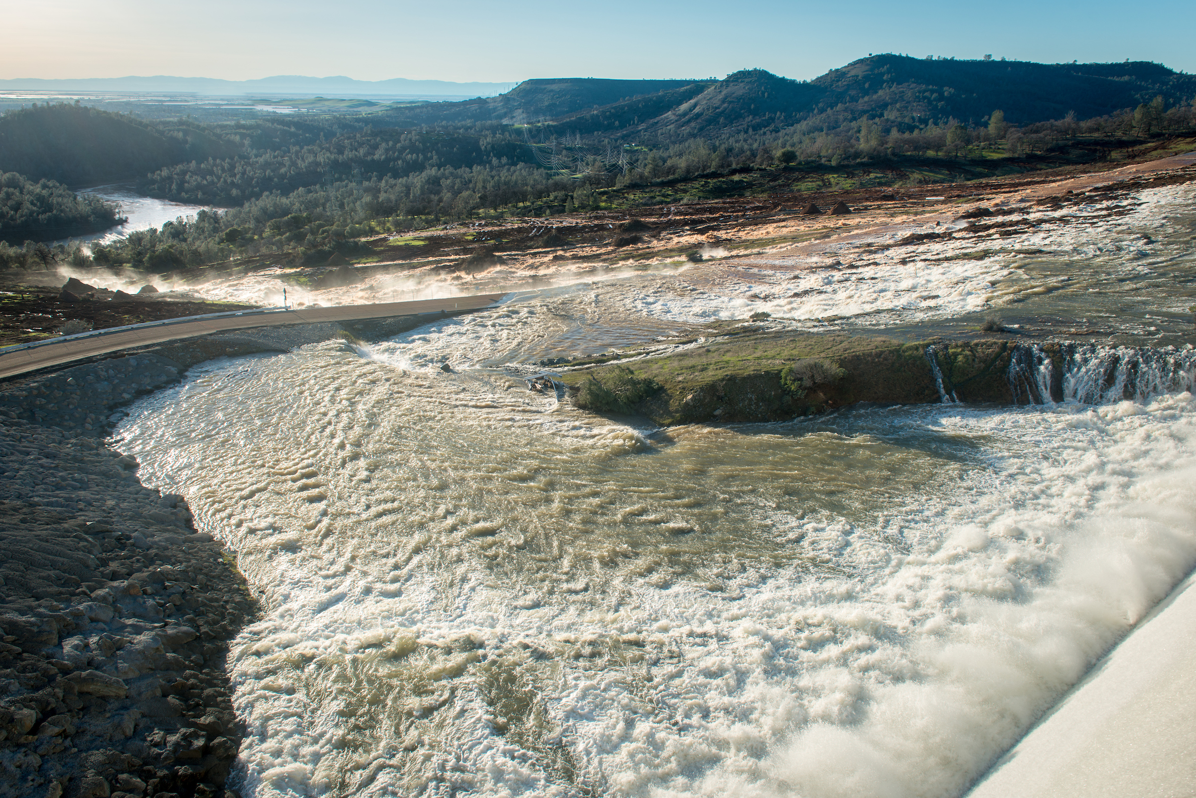 Lake Oroville Spillway Level